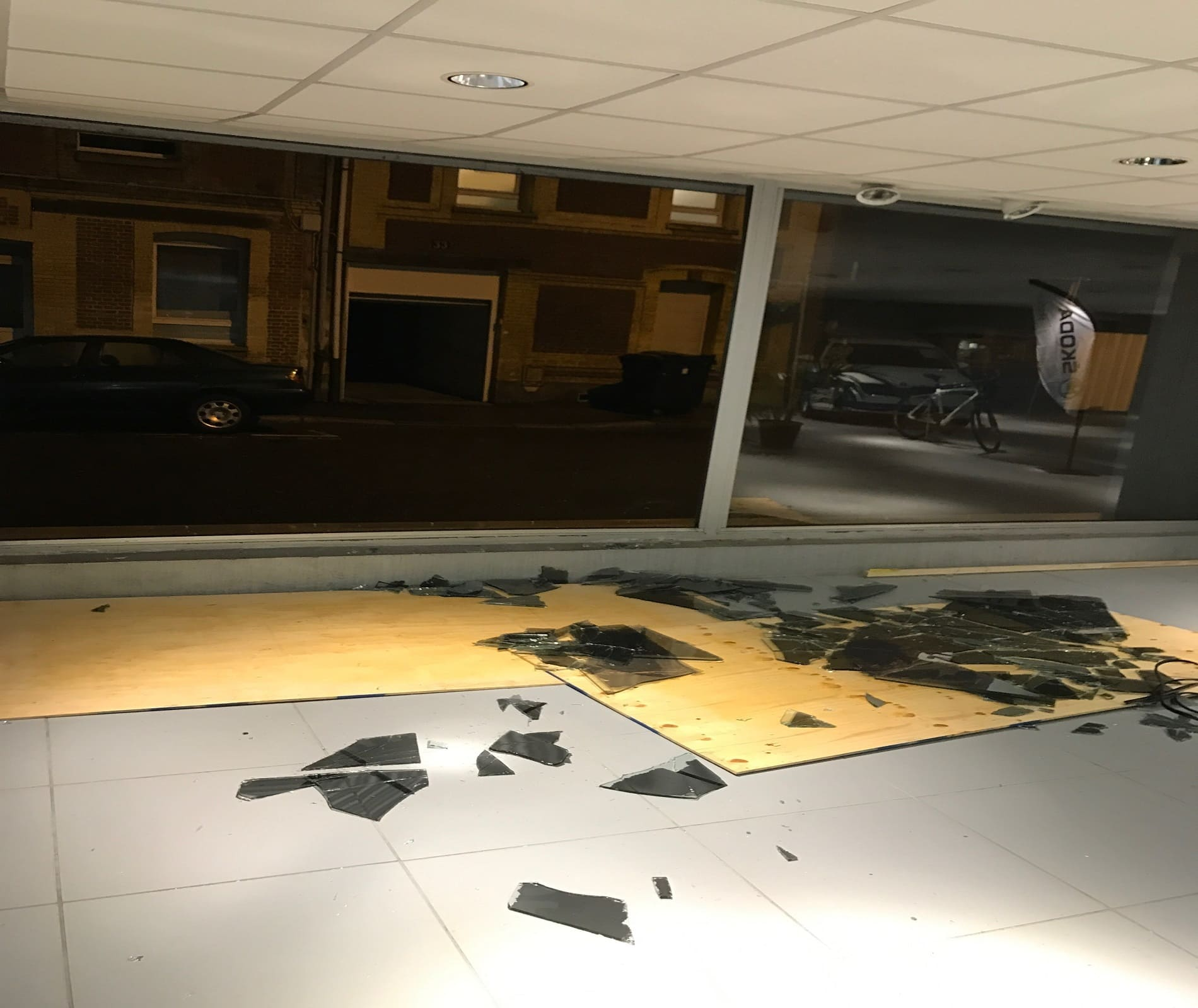 miroiterie ab fermetures Le Havre remplacement vitrine commerce-76600 le havre